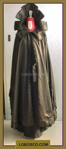 lobosco.com_00002544_mantello_coat_nero_black_costumi_teatrali_storici_carnevale_spettacolo_costumes_clothing_theatrical_historical_carnival_performance_HALLOWEEN.jpg